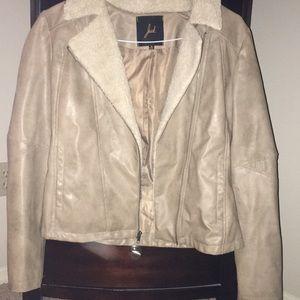Stylish khaki colored Jack jacket with faux fur